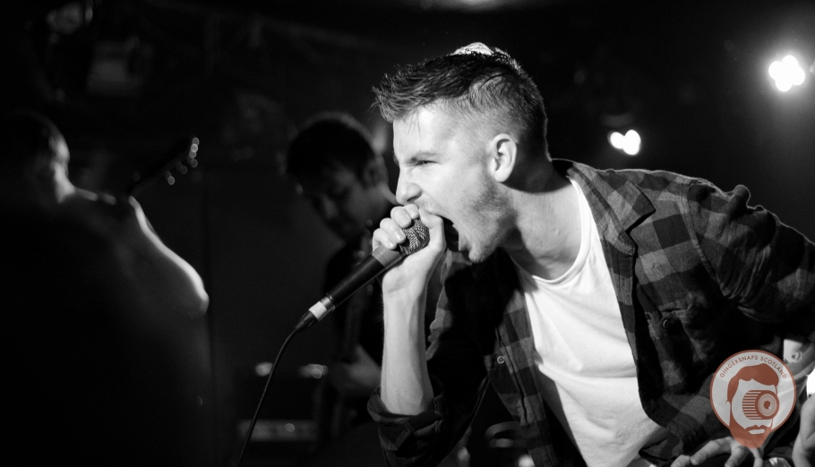 Through A Lens: Lifelines @ King Tut's Wah Wah Hut